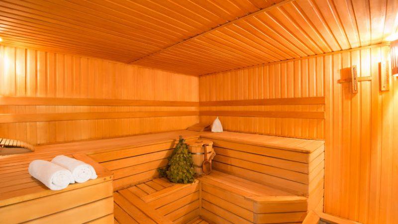 Décoration d'intérieur : 2 bonnes raisons d'habiller ses murs en bois